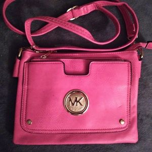 Mk medium size handbag. In perfect condition and n